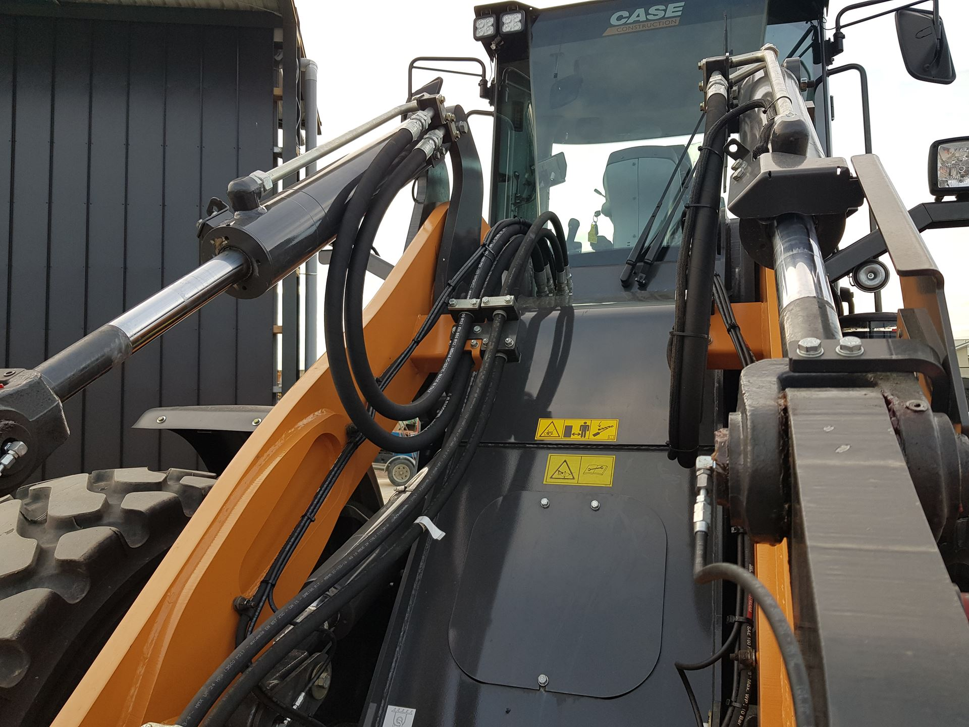Picture of 15 Ton Case Loader