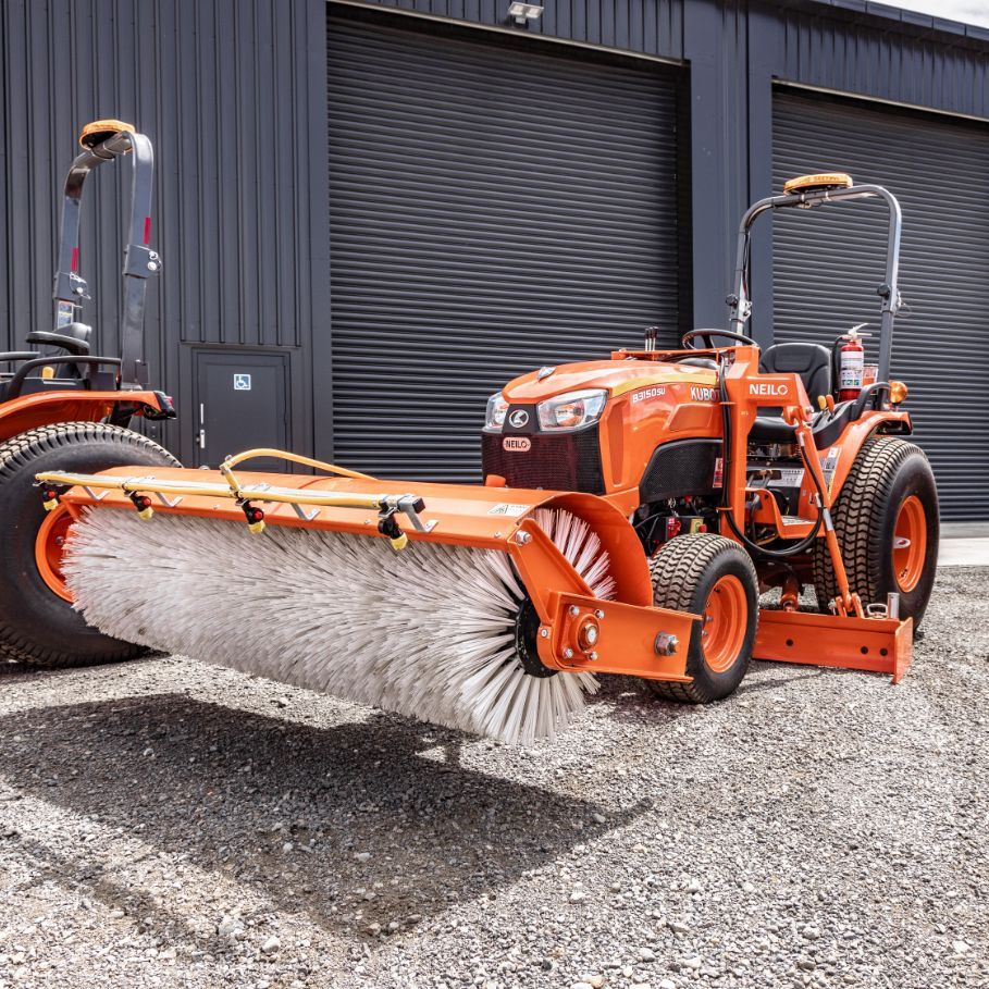 Picture of 1.5 Ton Grader with Front Broom
