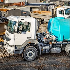 Picture of 6x4 Water Truck